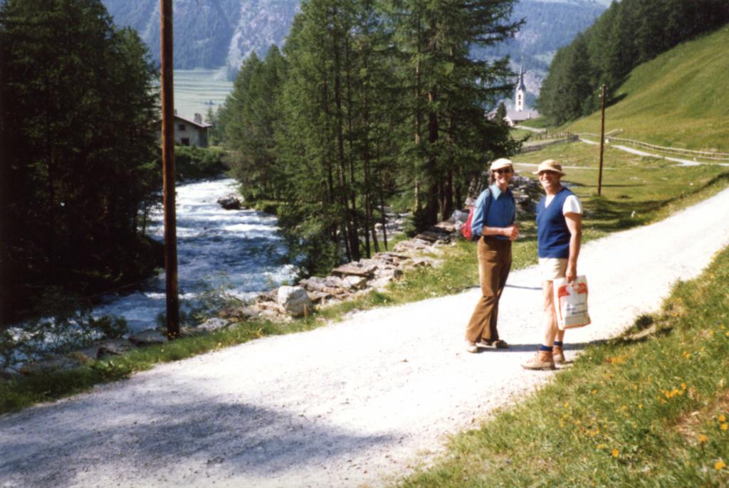 Энгадин, Швейцария, 1979 г. На прогулке с Хансом  Холлигером